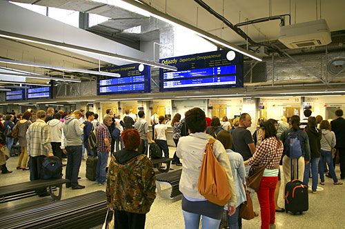 Ticket queues at Warsaw