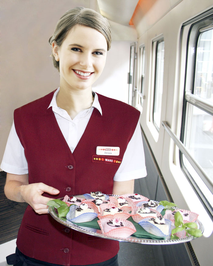 Restaurant car waitress (photo courtesy Wars)