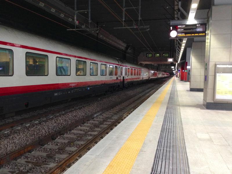 Frecciabianca na dworcu w Turynie